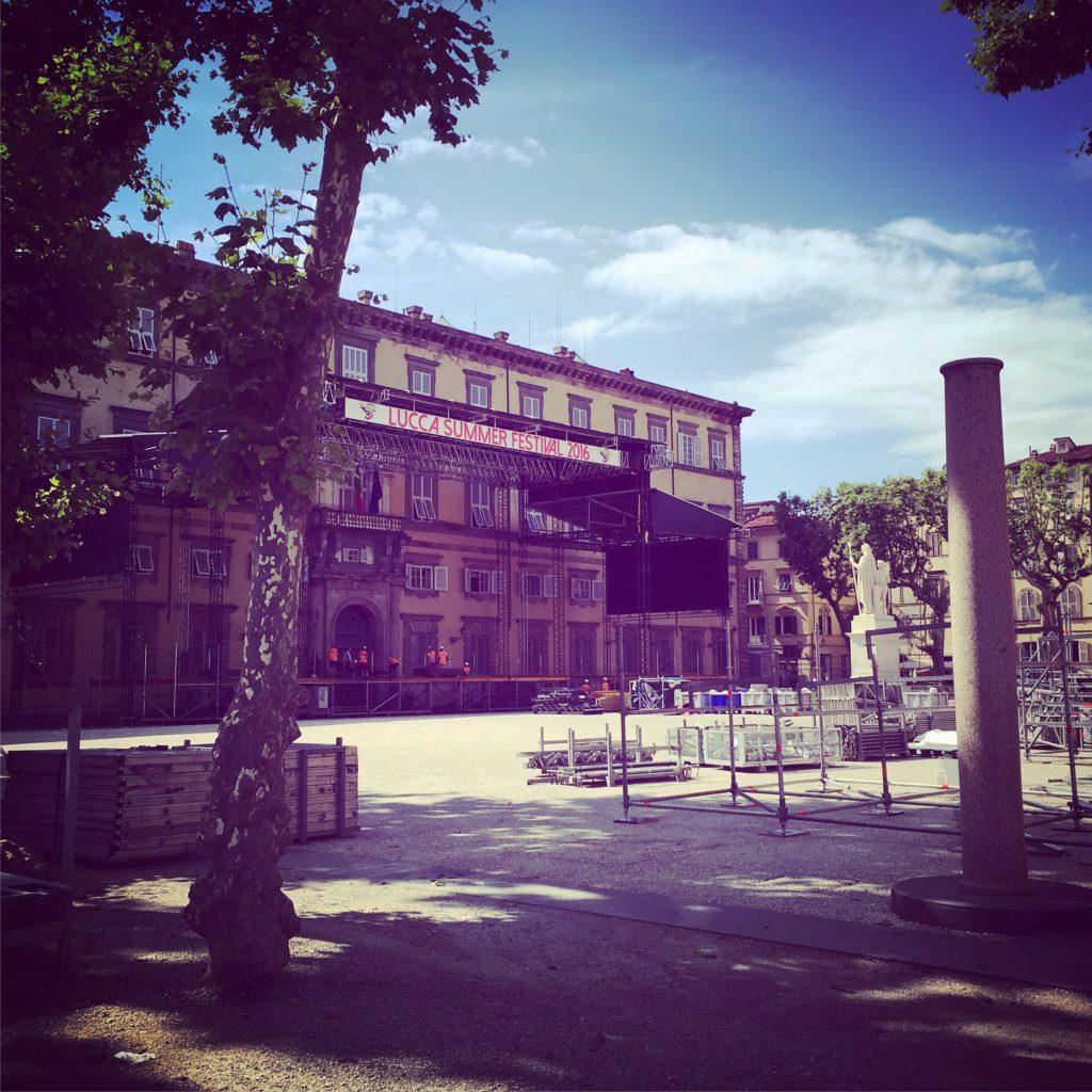 piazza napoleone lucca summer festival